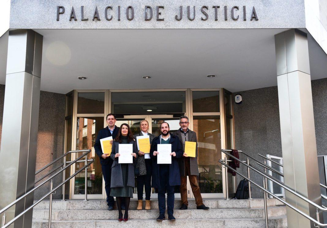 IMAGEN DE LOS SENADORES Y DIPUTADOS SOCIALISTAS 1068x745 - José Manuel Bolaños recoge su credencial como senador electo