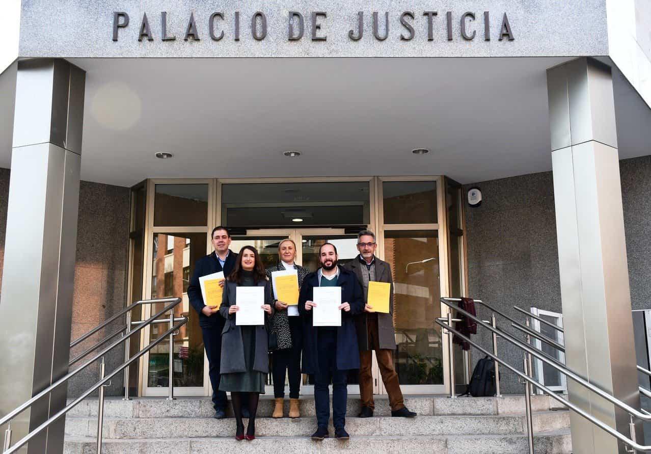 IMAGEN DE LOS SENADORES Y DIPUTADOS SOCIALISTAS - José Manuel Bolaños recoge su credencial como senador electo