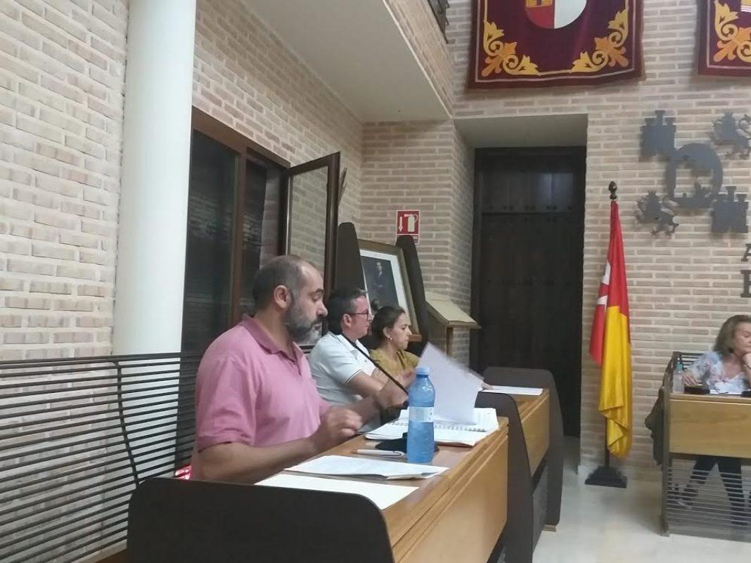 Jesus Fernandez almoguera concejal de Ciudadanos durante un pleno municipal en Herencia 1068x801 - Cs Herencia logra por unanimidad medidas para combatir la violencia de género