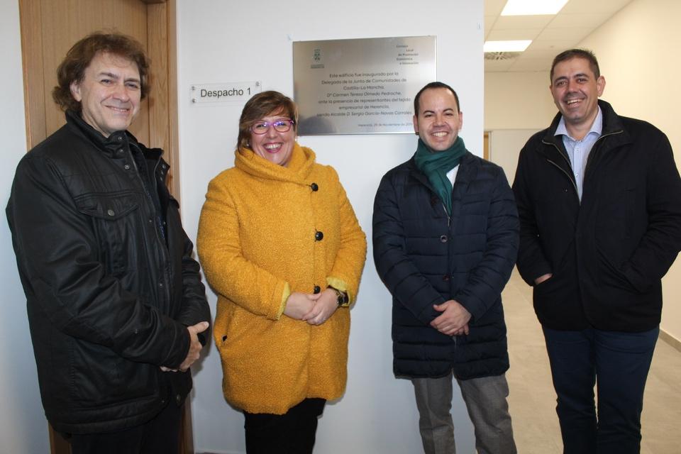 Olmedo Inauguración Centro Emprendedores 2 - Carmen Olmedo inaugura el Centro de Emprendedores en Herencia