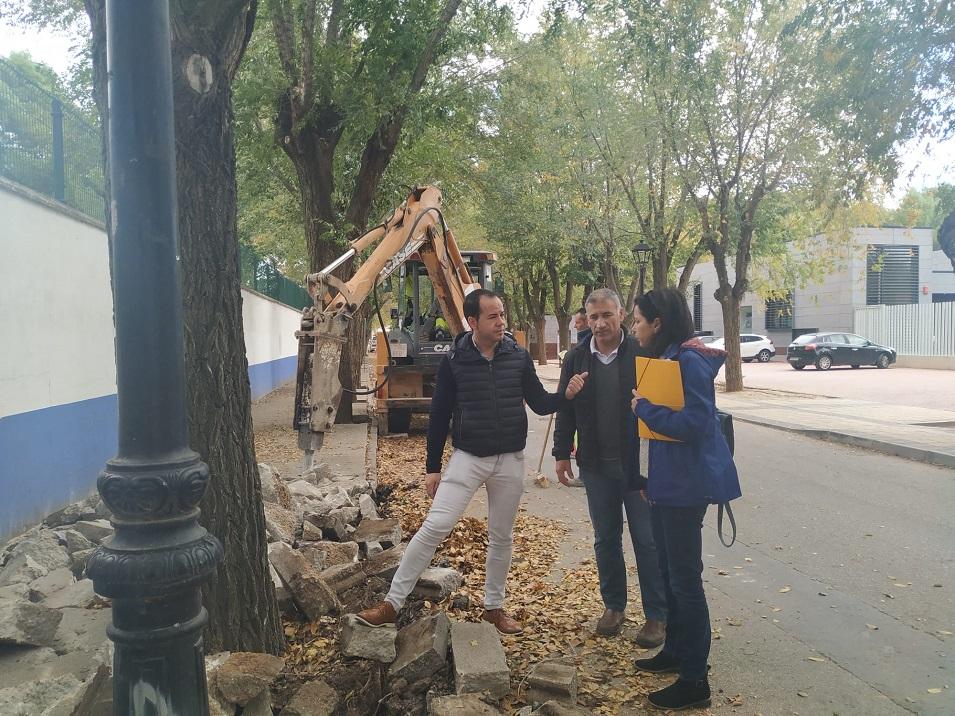 obras de renovación del acerado derecho en la Avenida de Tierno Galván - Obras de renovación del acerado derecho en la Avenida de Tierno Galván