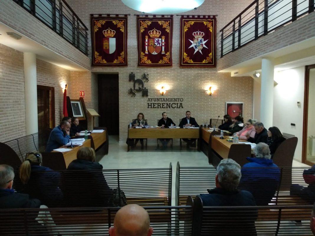 pleno municipal de Herencia 2019 1068x801 - Aprobado en Pleno el presupuesto municipal para el año 2020