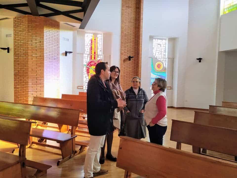 """visita casa de oracion santa maria en herencia 4 - La Casa de Oración """"Santa María"""" en Herencia recibe a las autoridades"""
