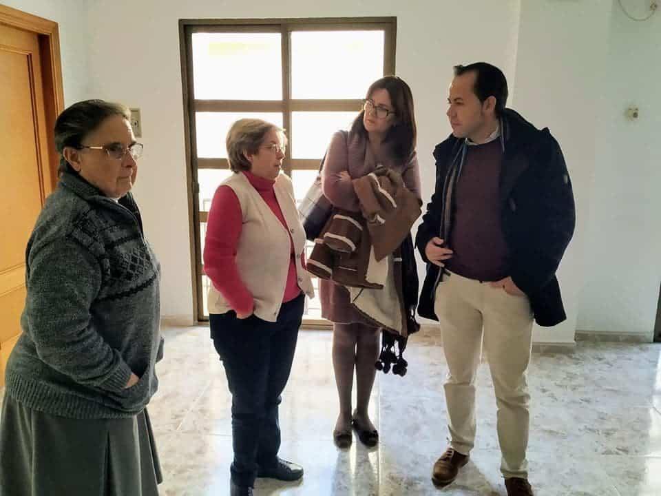 """visita casa de oracion santa maria en herencia 5 - La Casa de Oración """"Santa María"""" en Herencia recibe a las autoridades"""