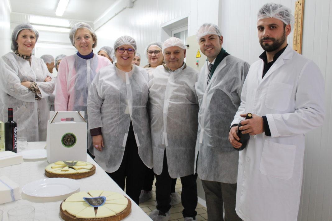 Olmedo visita empresa La Gaitana 2 1068x712 - Castilla-La Mancha apoya a los nuevos emprendedores que apuestan por el sector agroalimentario en Herencia