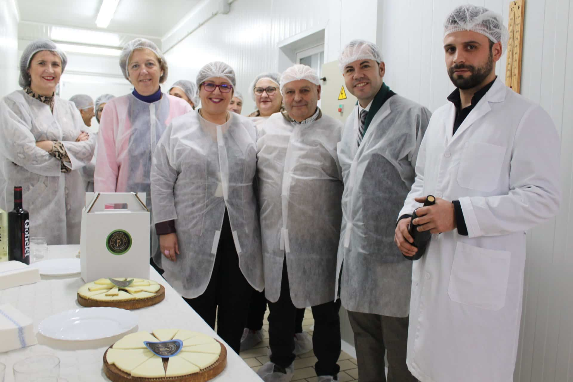 Olmedo visita empresa La Gaitana 2 - Castilla-La Mancha apoya a los nuevos emprendedores que apuestan por el sector agroalimentario en Herencia