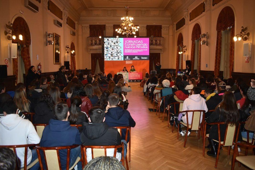 SALON JORNADA INCISO 1068x713 - IES Hermógenes Rodríguez protagonista en la clausura del programa 'Construyendo nuevas miradas'