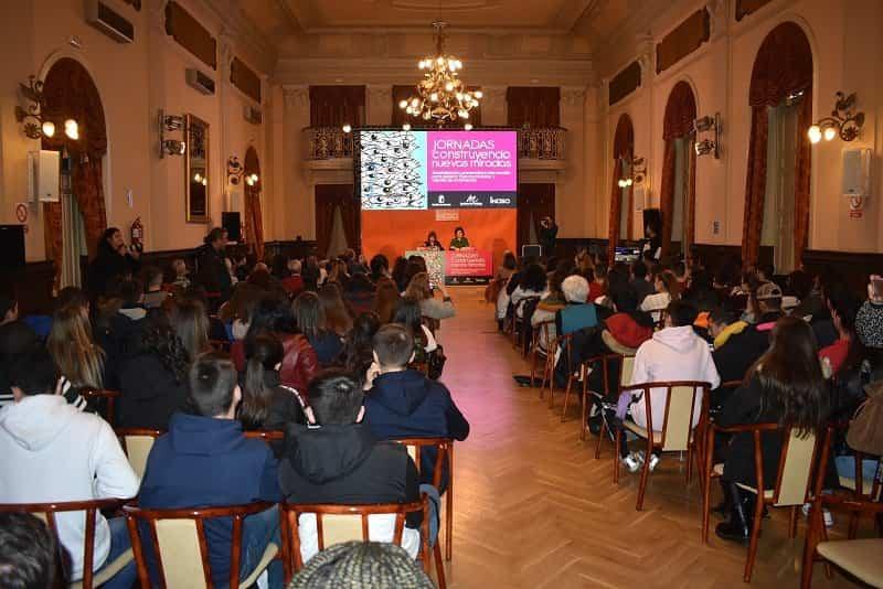 SALON JORNADA INCISO - IES Hermógenes Rodríguez protagonista en la clausura del programa 'Construyendo nuevas miradas'