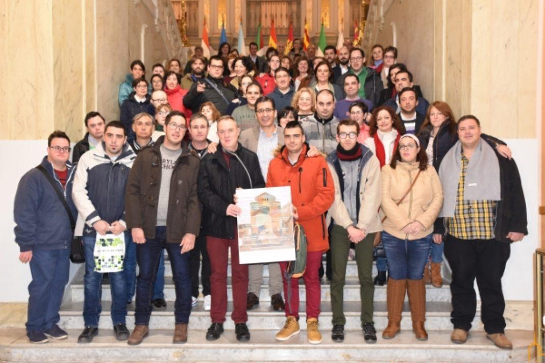 """Usuarios del Centro Ocupacional """"El Picazuelo"""" asisten al tradicional pleno reivindicativo en el Palacio Provincial 7"""