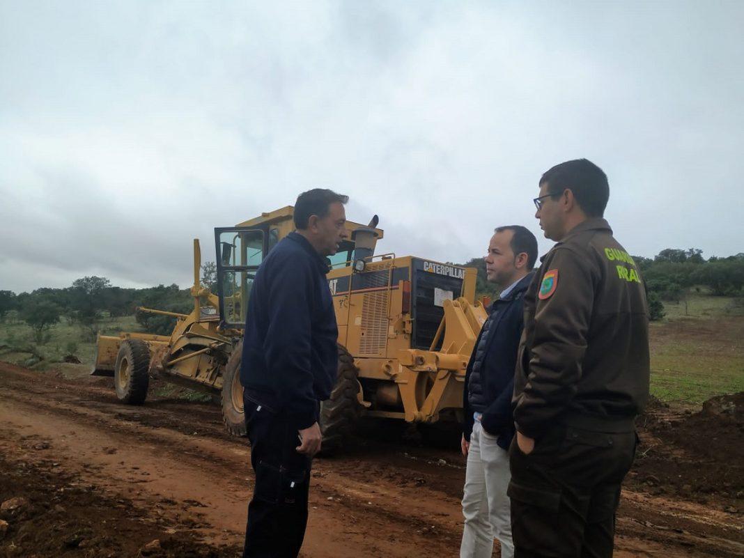 arreglo de caminos en Herencia1 1068x801 - La campaña de arreglo de caminos del término municipal comienza su última fase del año