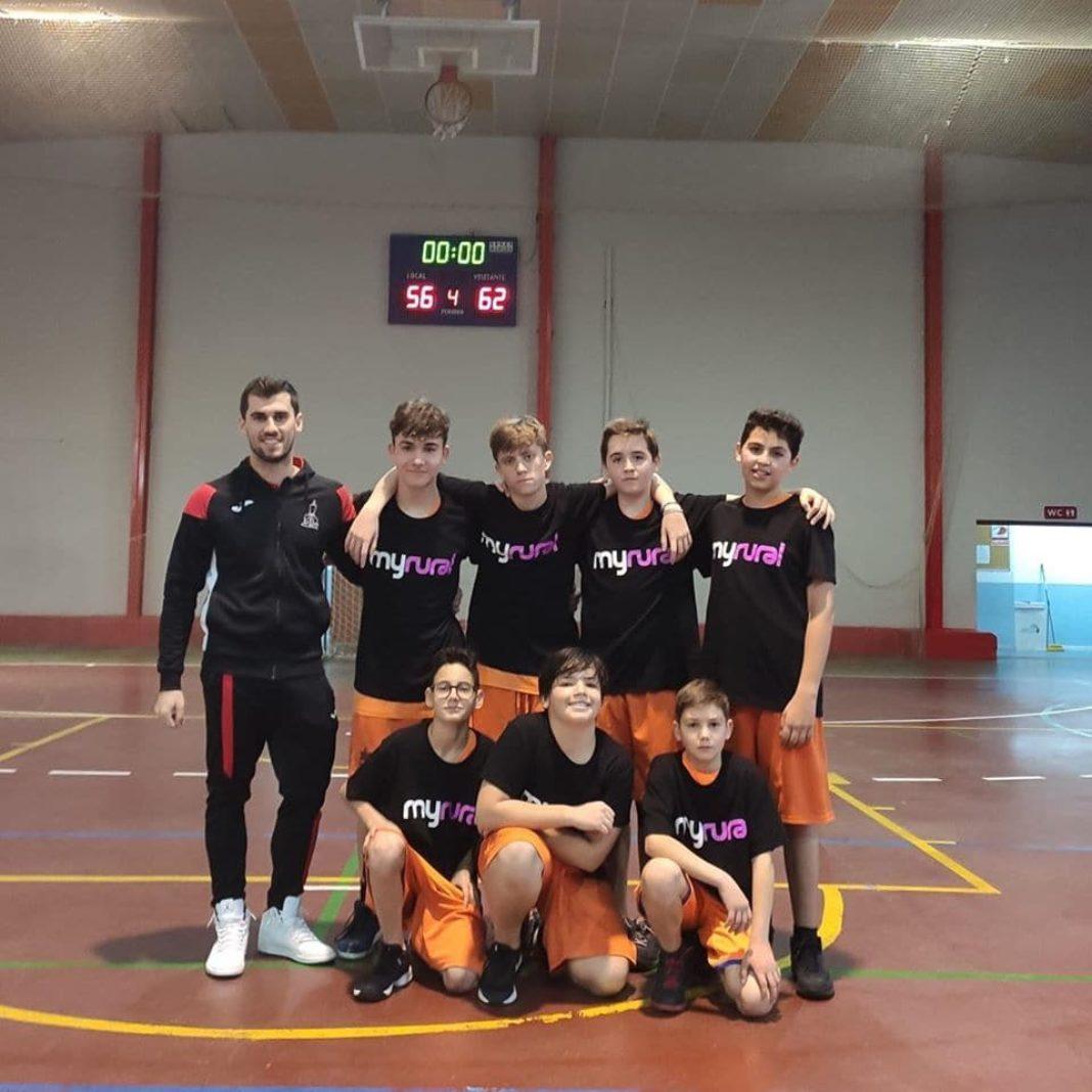 equipo infantil baloncesto herencia 2019 1068x1068 - Las Escuelas Deportivas de Herencia cuentan con 2 equipos de baloncesto por primera vez