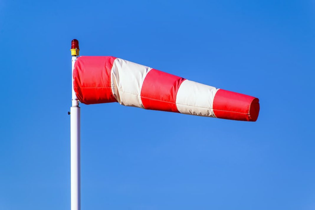 Aviso por fuertes vientos en Herencia y región 1