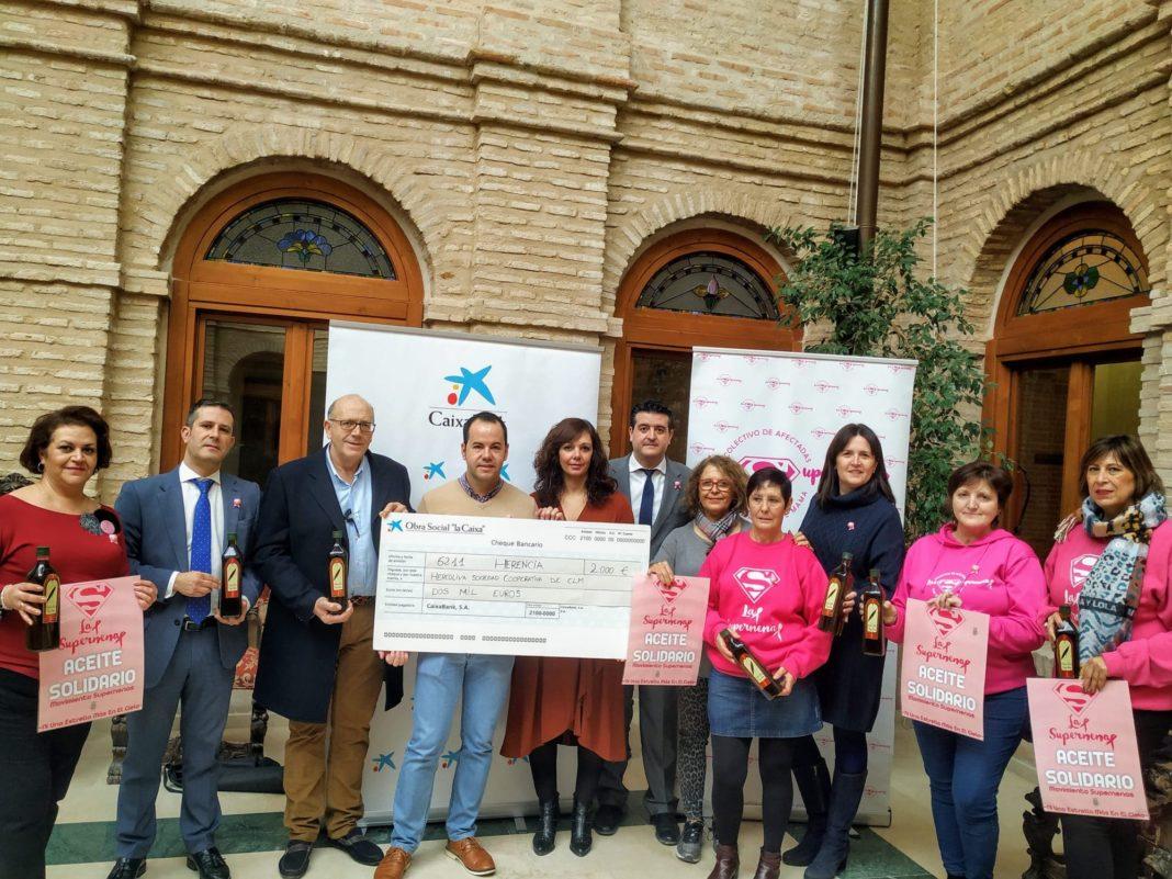 """La Obra Social """"La Caixa"""" colabora con 460 litros de aceite para """"Las Supernenas"""" y la Fundación """"La Merced Migraciones"""" 4"""