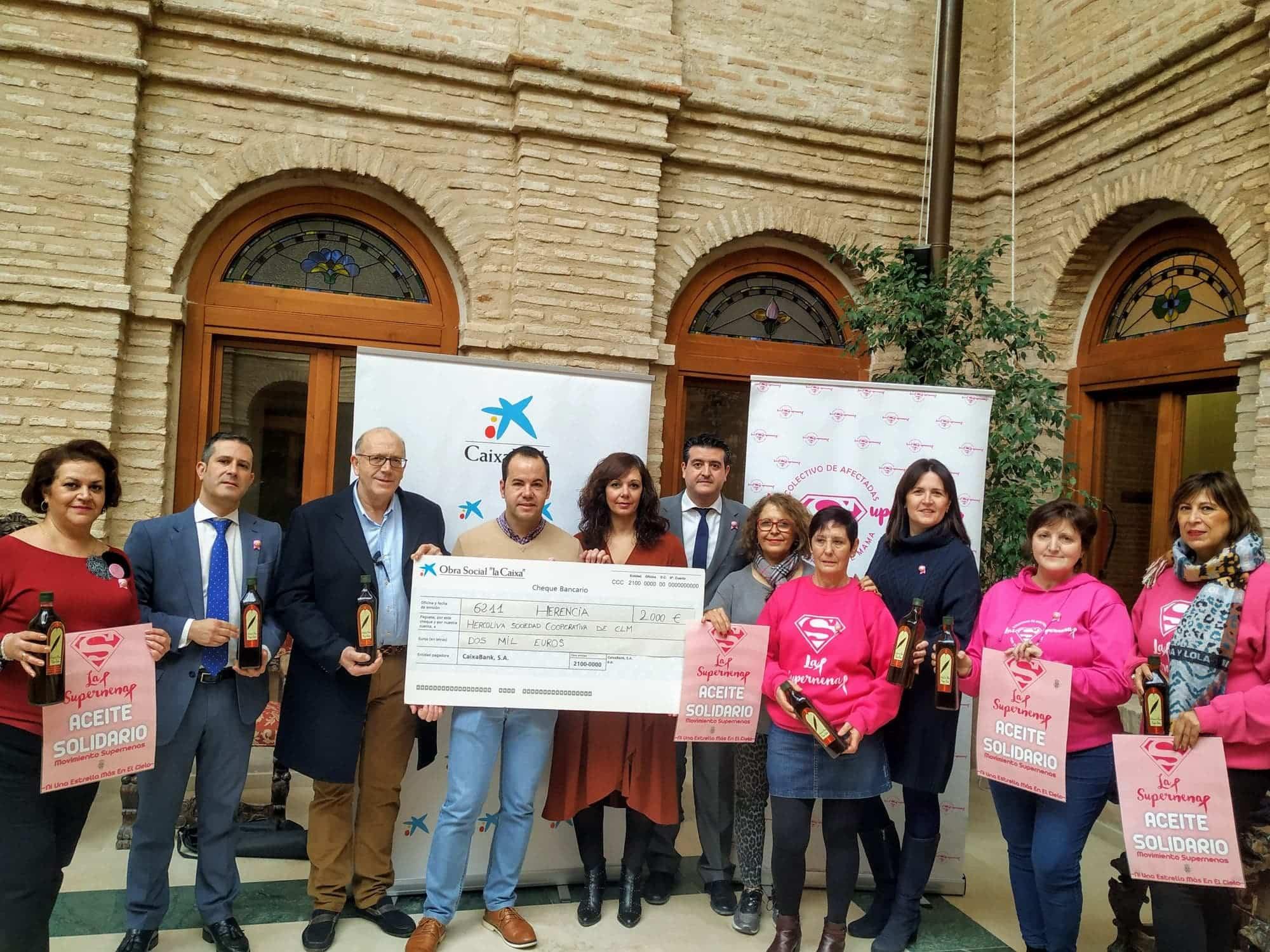 """La Obra Social """"La Caixa"""" colabora con 460 litros de aceite para """"Las Supernenas"""" y la Fundación """"La Merced Migraciones"""" 3"""