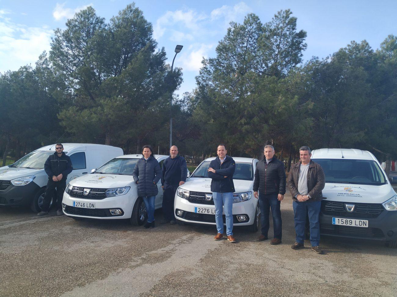 Veh%C3%ADculos del ayuntamiento de Herencia - Cuatro nuevos vehículos mejoran el parque móvil del Ayuntamiento de Herencia