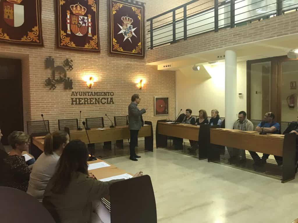 pleno vecinal presupuestos participativos - El Ayuntamiento de Herencia elaborará un nuevo presupuesto participativo a través de un pleno vecinal