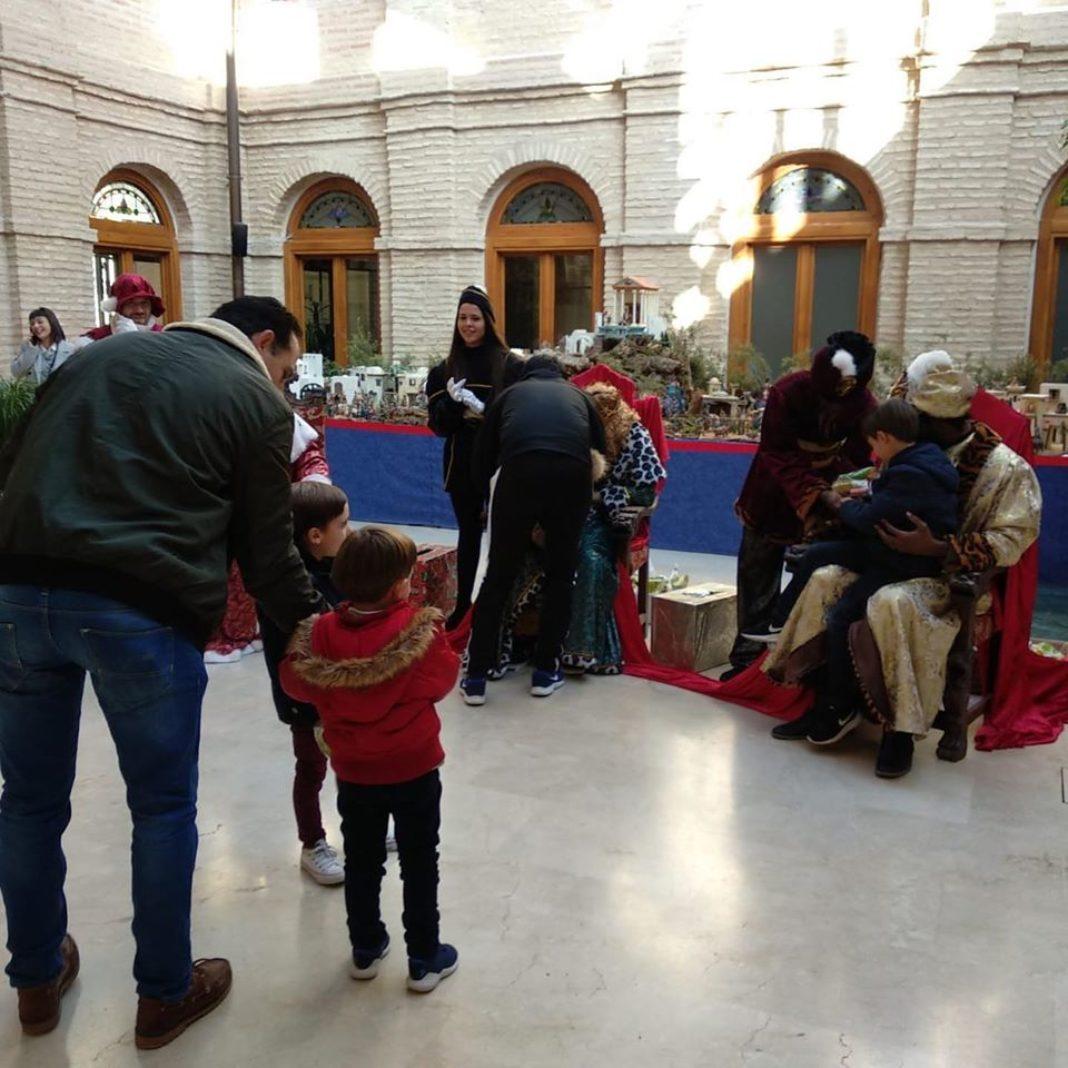 Los Reyes Magos ya están en Herencia listos para la Cabalgata de Reyes 4
