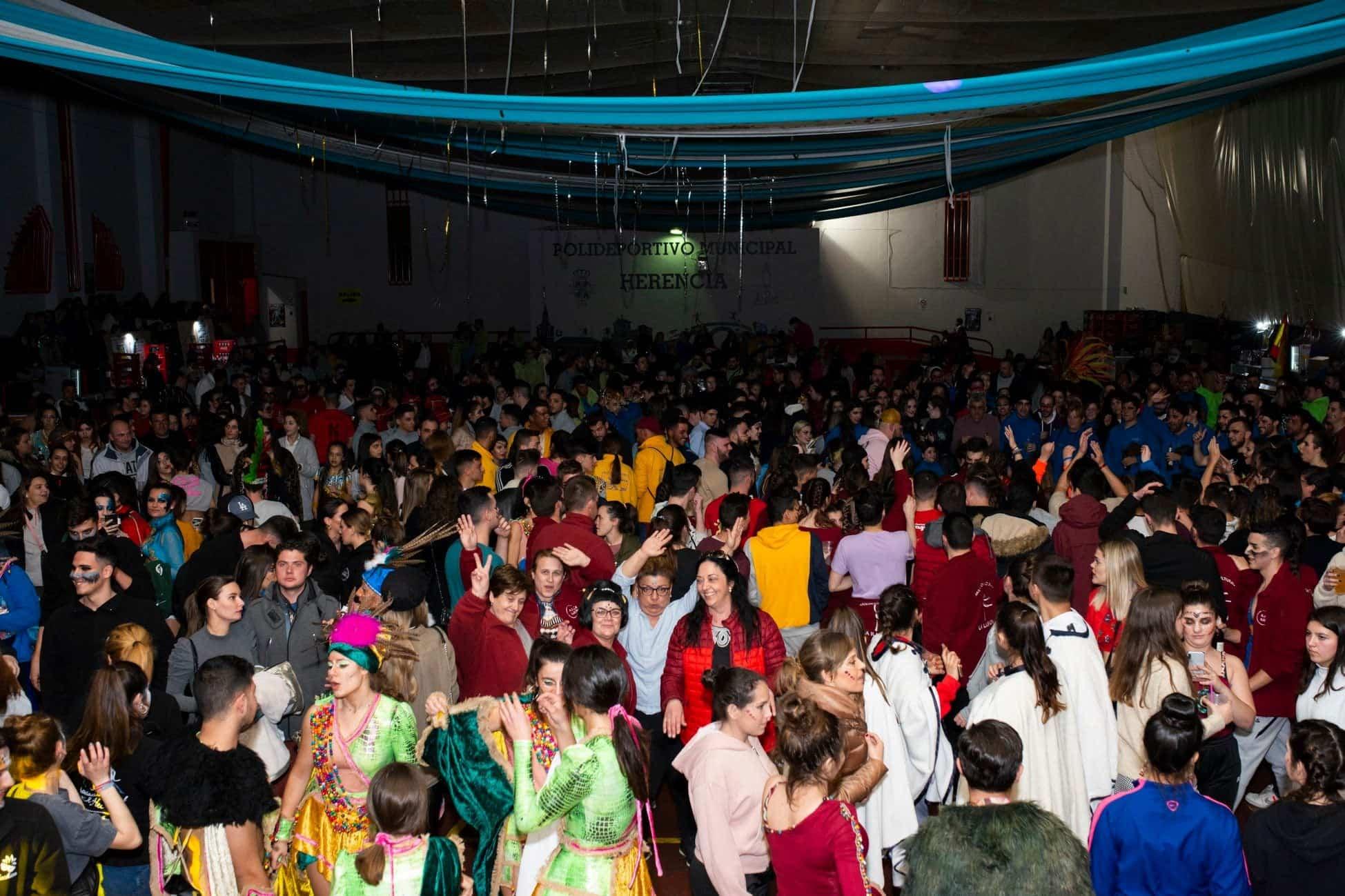 Selección de fotografías del Ofertorio del Carnaval de Herencia 391