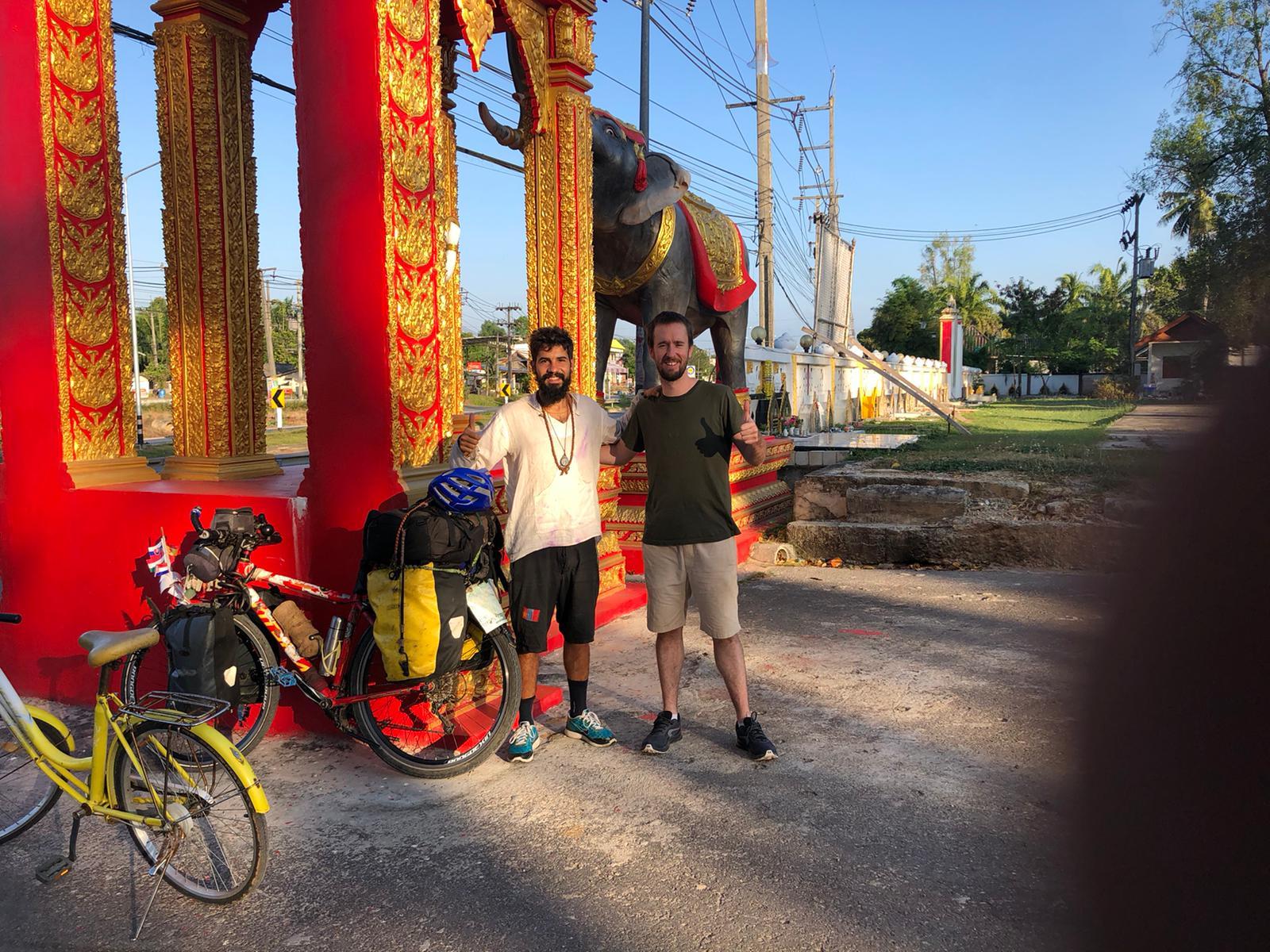 Elías Escribano, Perlé por el Mundo, en vísperas de Carnaval llegando a Malasia 17