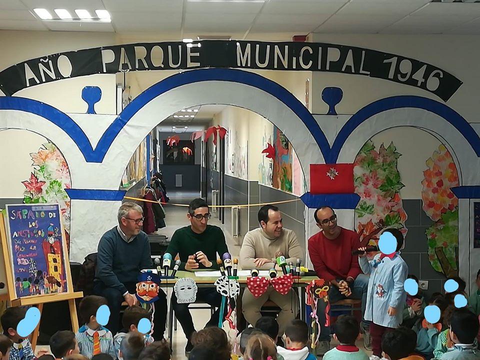 Presentación cartel Sabado de los Ansiosos Carnaval de Herencia 2020 - Los alumnos de infantil del CEIP Carrasco Alcalde autores del cartel del Sábado de los Ansiosos 2020