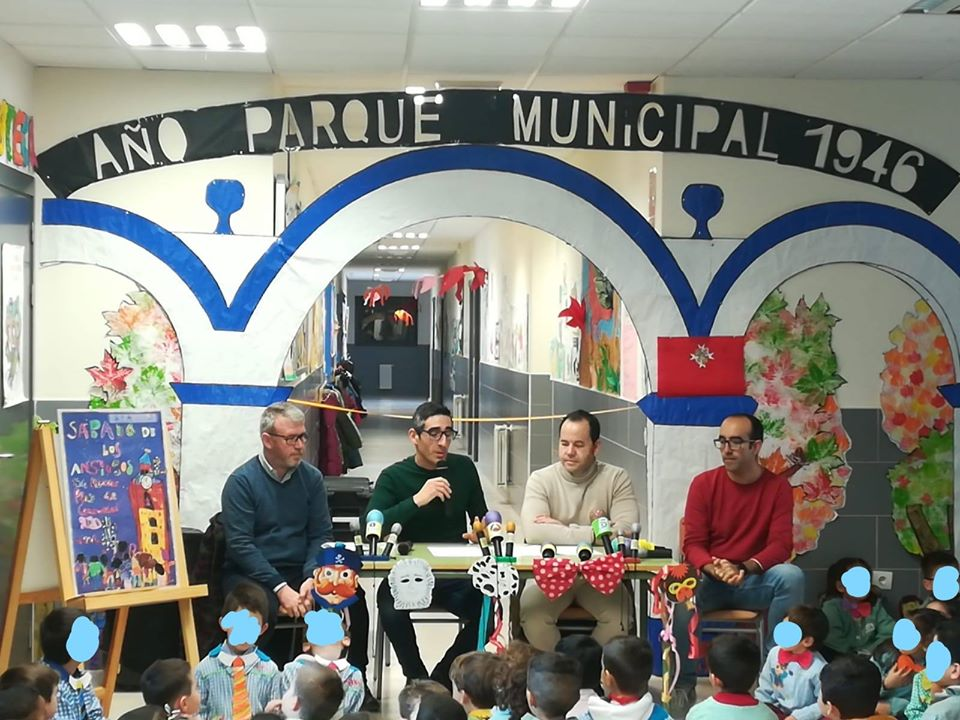 Presentaci%C3%B3n cartel Sabado de los Ansiosos Carnaval de Herencia 2020d - Los alumnos de infantil del CEIP Carrasco Alcalde autores del cartel del Sábado de los Ansiosos 2020