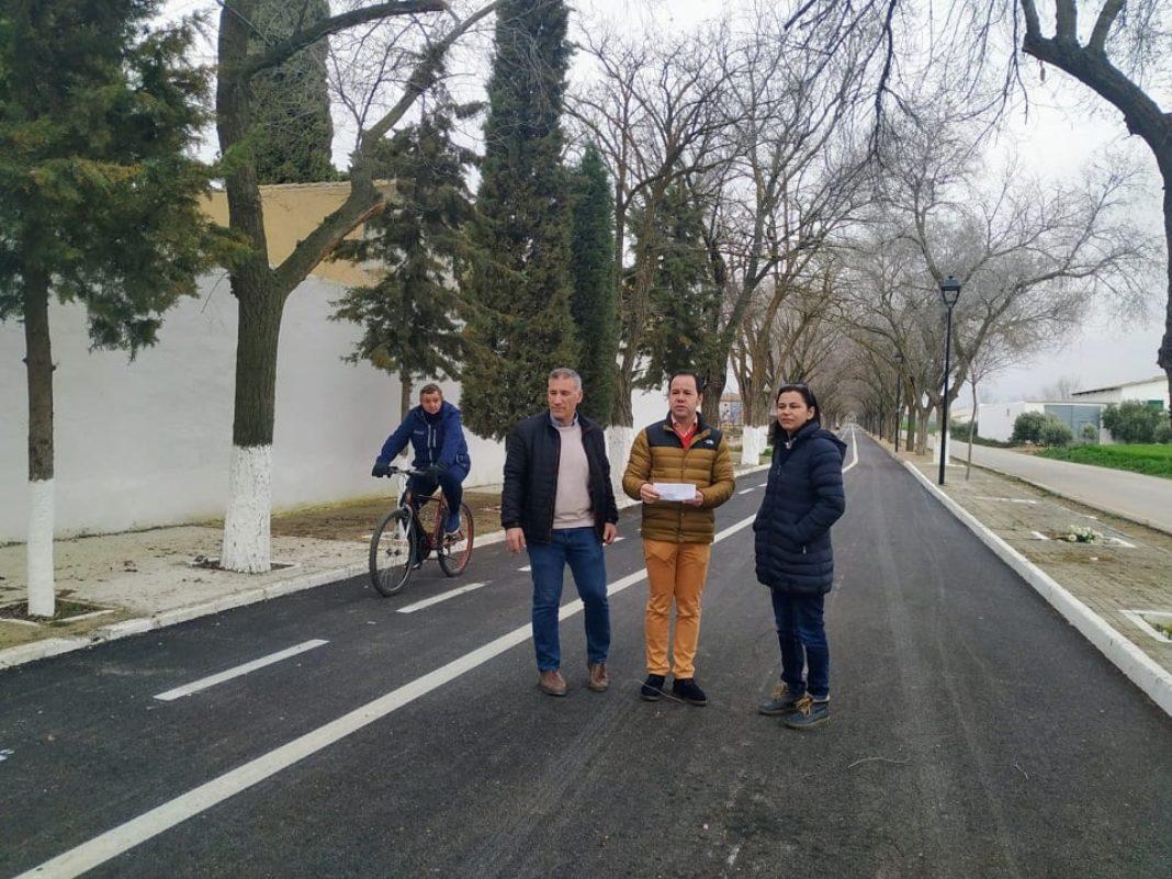 asfaltado camino del cementerio herencia 1068x801 - Finalizan los trabajos de asfaltado del Camino del Cementerio de Herencia