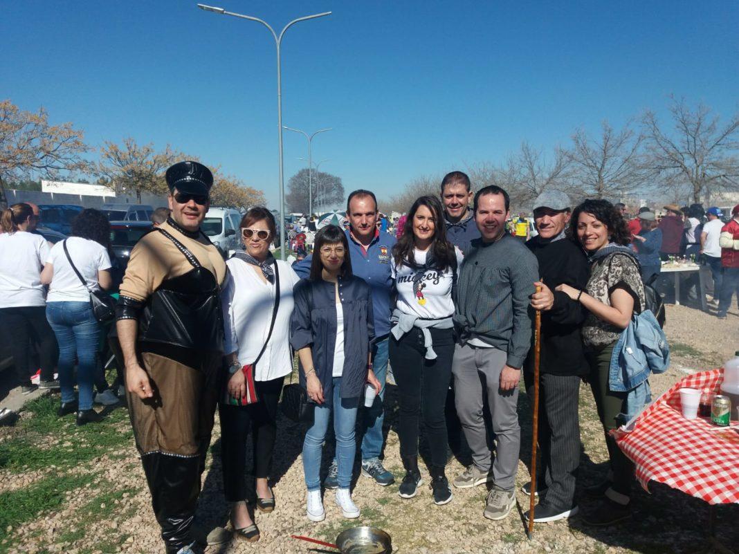La diputada del PSOE, Cristina López, visitó el Carnaval de Herencia y a sus agricultores 7