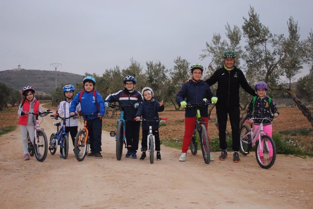 Escuela deportiva en MTB con los Amigos del Plato Grande en Herencia 13