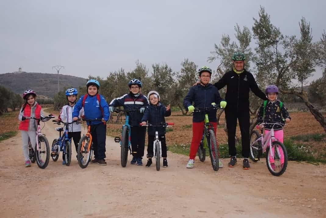 Escuela deportiva en MTB con los Amigos del Plato Grande en Herencia 9