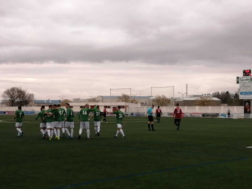herencia cf cd piedrabuena 1068x801 - El Herencia C.F. supera al C.D. Piedrabuena 3-0 en un sábado redondo