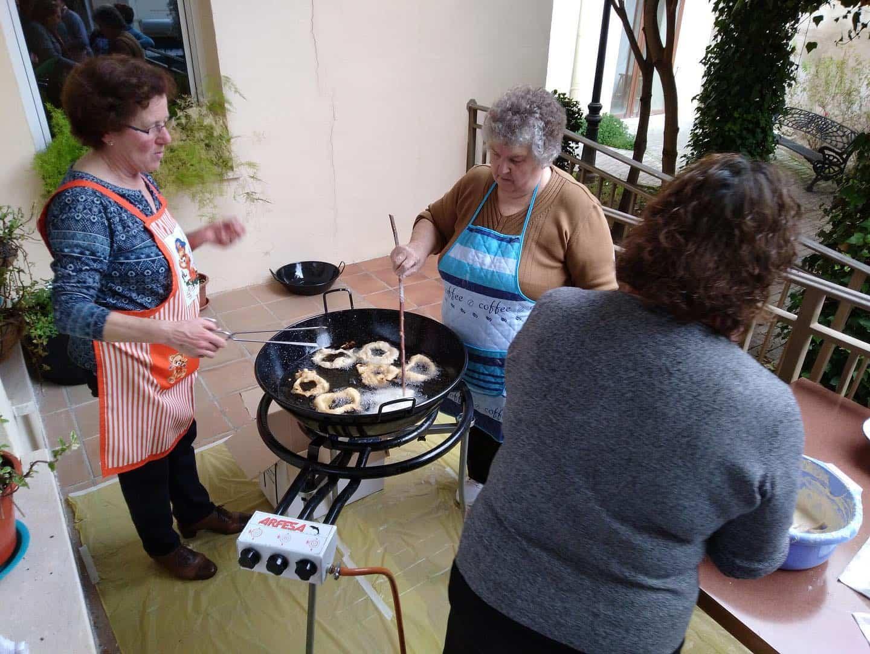 Taller de cocina del Centro de Mayores con sabor a Carnaval 11