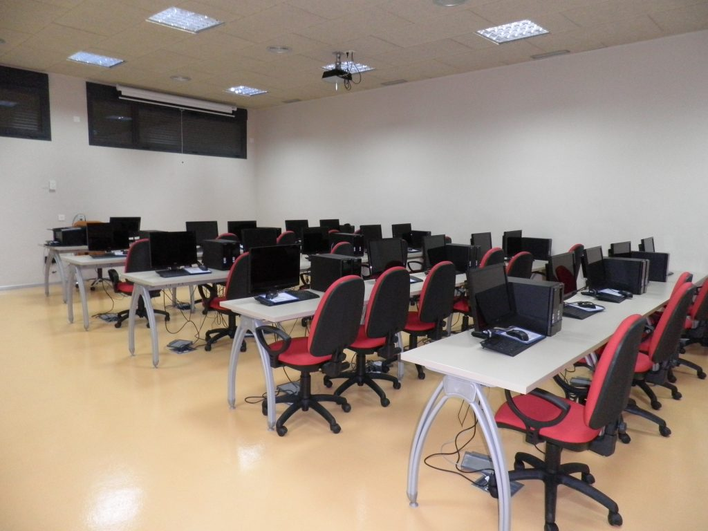 Aula informatica centro de información - Abierto el plazo de inscripción para el curso «Operaciones de grabación y tratamiento de datos y documentos»