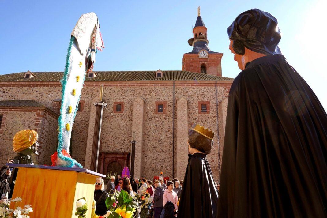 Carnaval de Herencia 2020 entierro sardina 2 1068x712 - El Entierro de la Sardina 2020 del Carnaval de Herencia