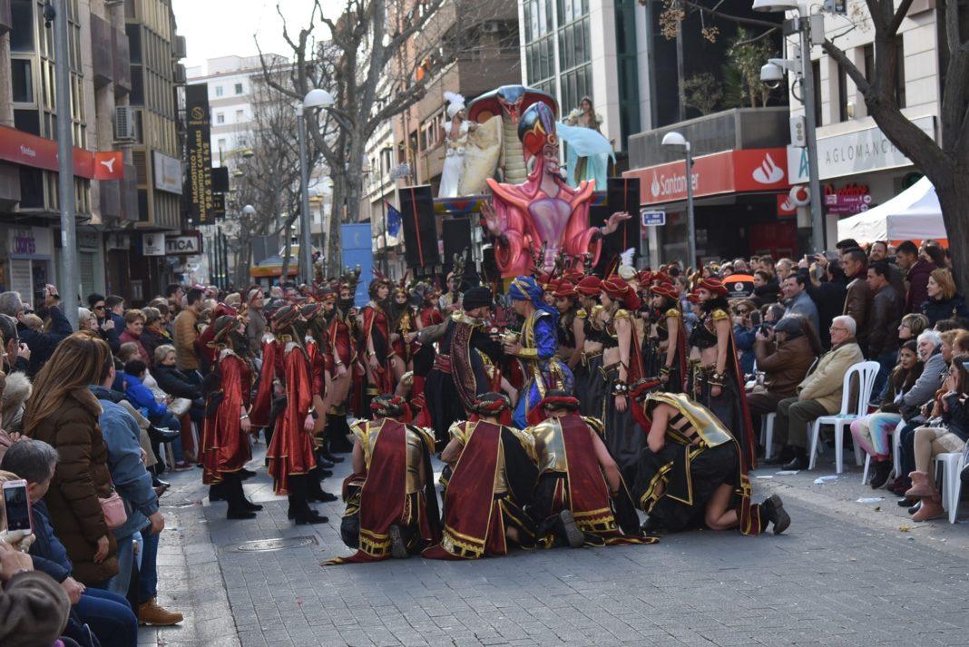 Carnaval de ciudad real 2020 axonsou arlequin oro herencia 22 1068x713 - Herencia destaca en los carnavales de la región y lleva su fiesta a lo más alto