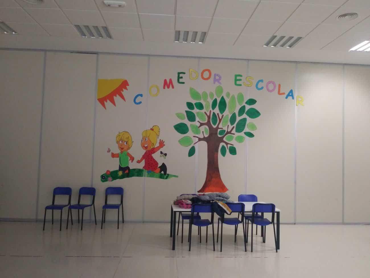 Comedor escolar 1300x975 1 - El servicio de comedor escolar estará disponible gracias a la colaboración entre Ayuntamiento y Consejería de Educación