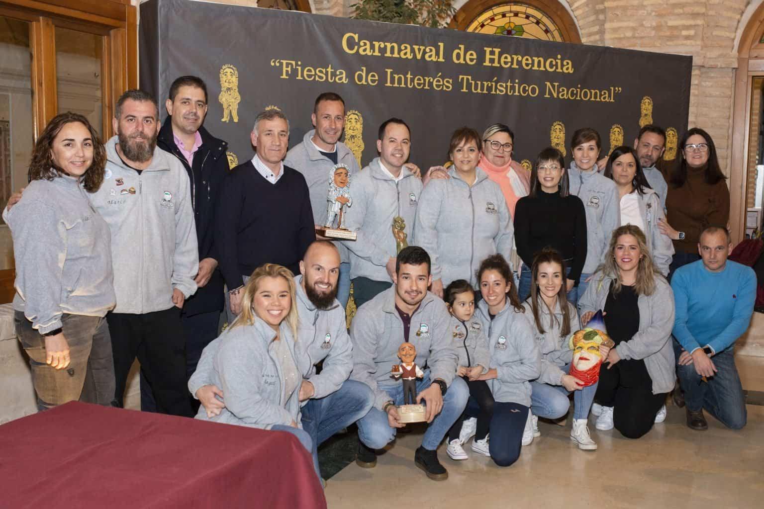 El Ayuntamiento recibe a la asociación cultural Axonsou tras ganar el Arlequín de Oro 7