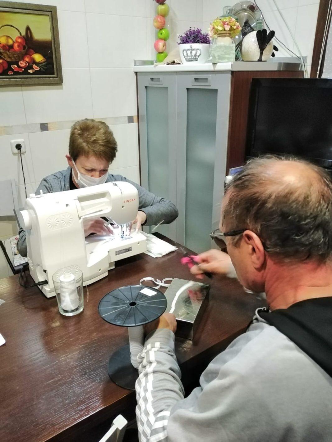 Grupo de costureras de Herencia11 1068x1424 - Costureras de Herencia y Villafranca colaboran en la lucha contra la COVID-19