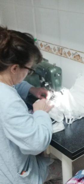 Grupo de costureras de Herencia13 280x608 - Costureras de Herencia y Villafranca colaboran en la lucha contra la COVID-19