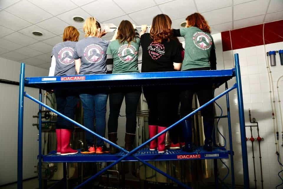 Pink Boots zona centro en La Maldita Herencia6 - La Maldita acoge un encuentro de Pink Boots Society con motivo del Día Internacional de la Mujer