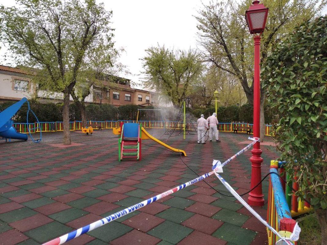 desinfección 3 1068x798 - El Ayuntamiento de Herencia acometerá la desinfección del pueblo el viernes 20 de marzo por la noche