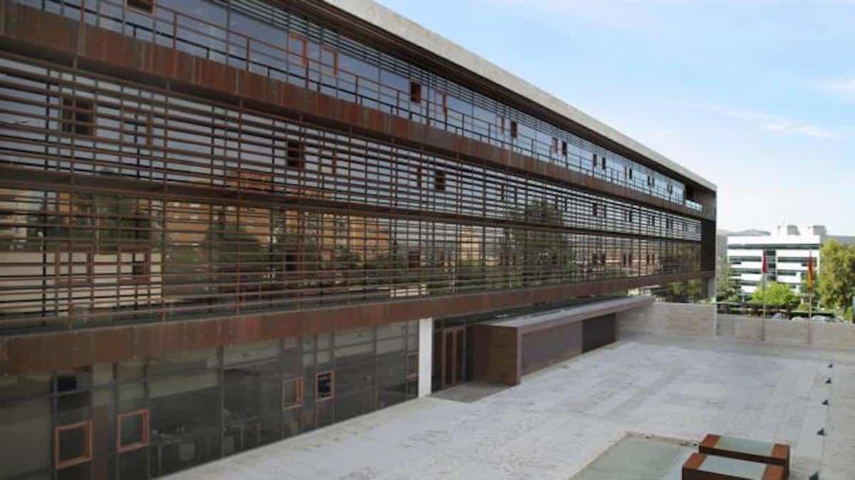 Los casos confirmados por coronavirus en Castilla-La Mancha ascienden a 26, mientras que los dos pacientes reciben el alta 3
