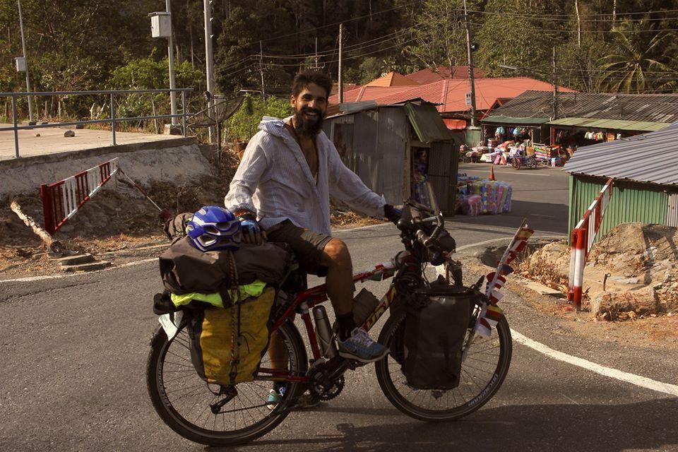Elías Escribano, Perlé aventurero, confinado en Malaca 5