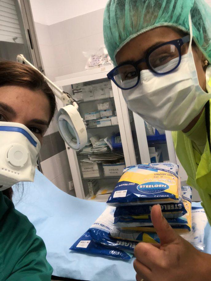 Material entregado en el centro de salud 687x914 - Ánthropos destina más de 16.000 euros a atender necesidades de hospitales, residencias y servicios de ayuda a domicilio