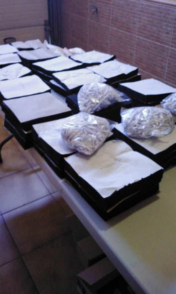 Material para mascarillas - 10.000 mascarillas y guantes para repartir entre todos los vecinos de Herencia