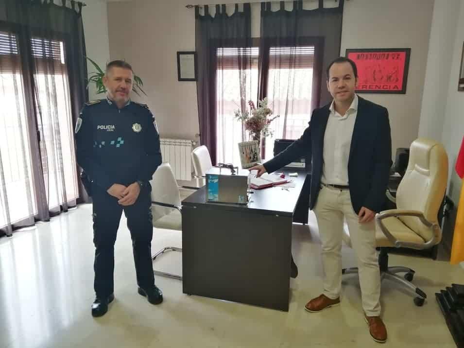compra de maquina de ozono alcalde desinfecta coches policia local herencia - Herencia contará con una máquina de ozono para desinfectar vehículos en servicio
