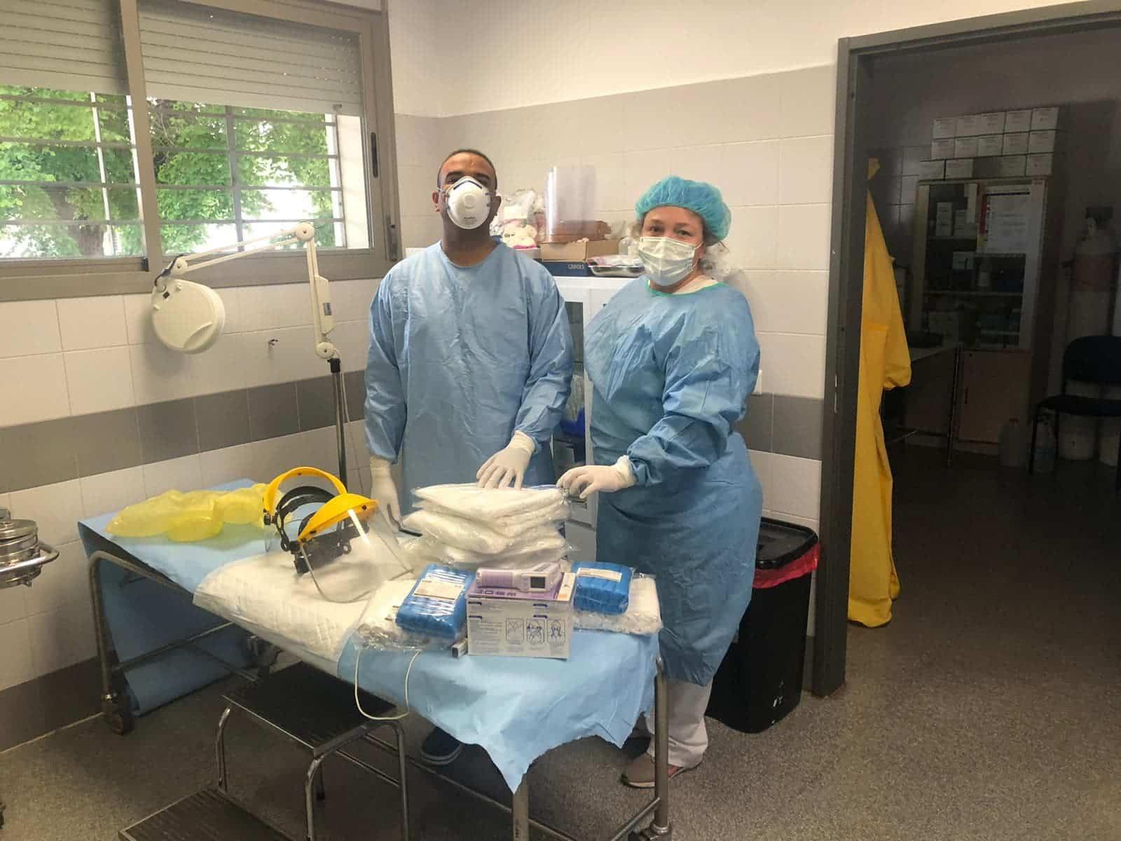 La comunidad dota de material sanitario al Centro de Salud de Herencia 8