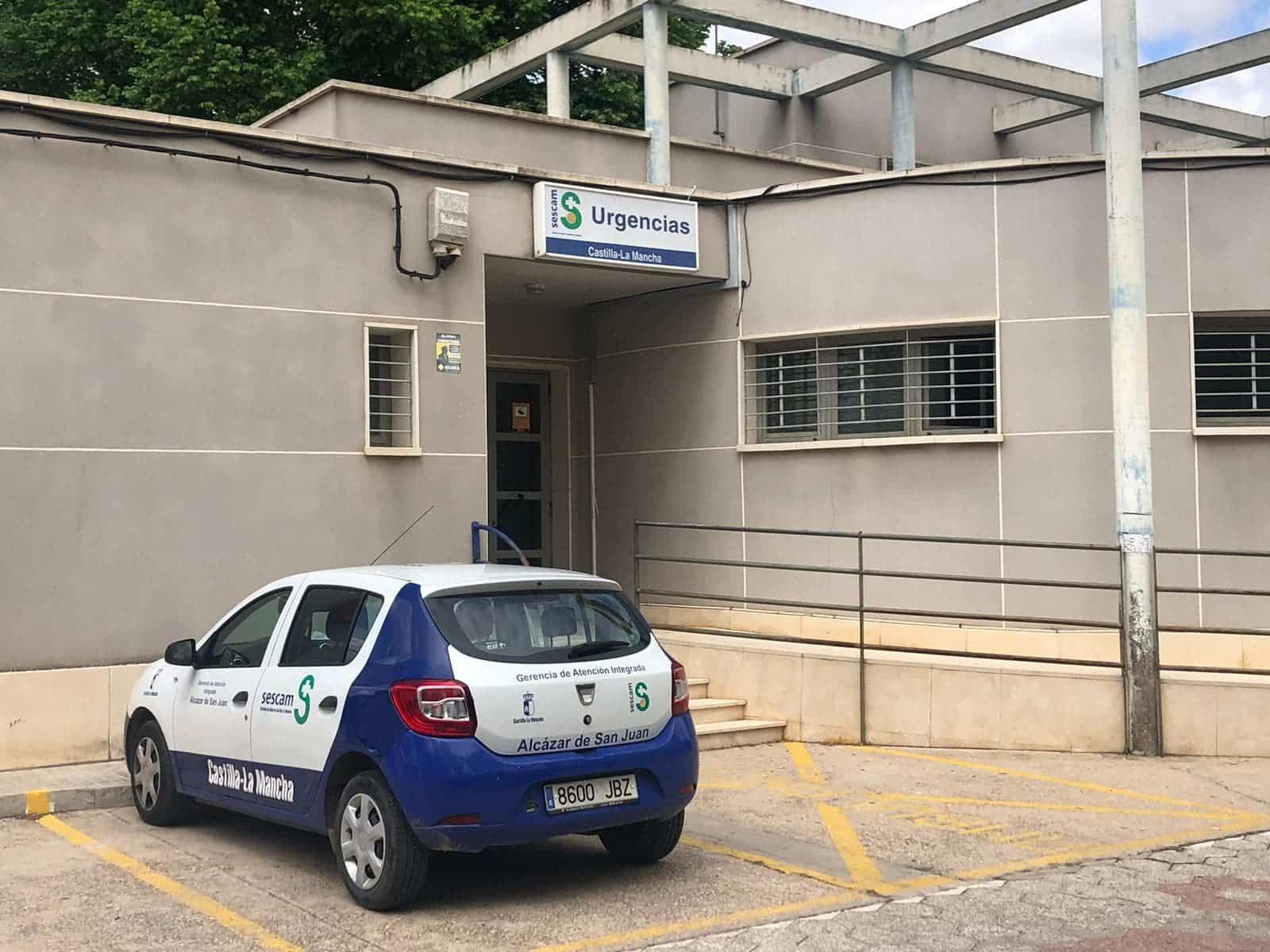 La comunidad dota de material sanitario al Centro de Salud de Herencia 9