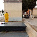 desinfecci%C3%B3n del cementerio4 150x150 - Continúan los trabajos de desinfección y el reparto de mascarillas y guantes
