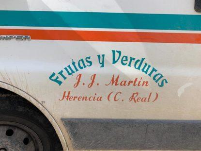 donaci%C3%B3n de la huerta de Herencia2 415x311 - Hortelanos de Herencia donan productos de sus huertas para alimentar a los sanitarios del hospital Mancha-Centro