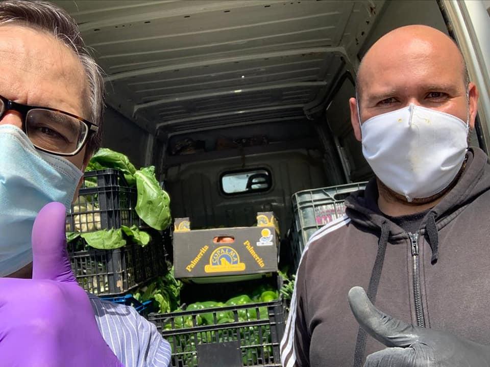 donaci%C3%B3n de la huerta de Herencia6 - Hortelanos de Herencia donan productos de sus huertas para alimentar a los sanitarios del hospital Mancha-Centro